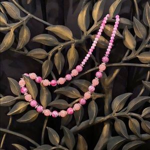 MULTI-COLORS OF PINK BEADED NECKLACE